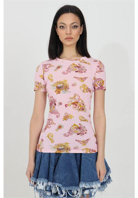 Pink t-shirt with baroque print, short sleeves. Brand: Versace Jeans Couture VERSACE JEANS COUTURE   T-shirt   B2HWA708S0020402