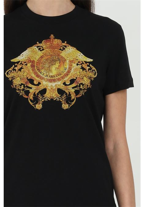 T-shirt with baroque print VERSACE JEANS COUTURE | T-shirt | B2HWA72911620899