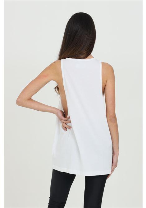 Top donna bianca Versace jeans couture canotta in tinta unita con logo frontale a contrasto VERSACE JEANS COUTURE | Top | B3GWA70011620003