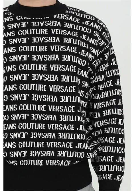 Black sweater with logo pattern, long sleeves. Brand: Versace jeans couture VERSACE JEANS COUTURE | Knitwear | B5GWA80350644L01