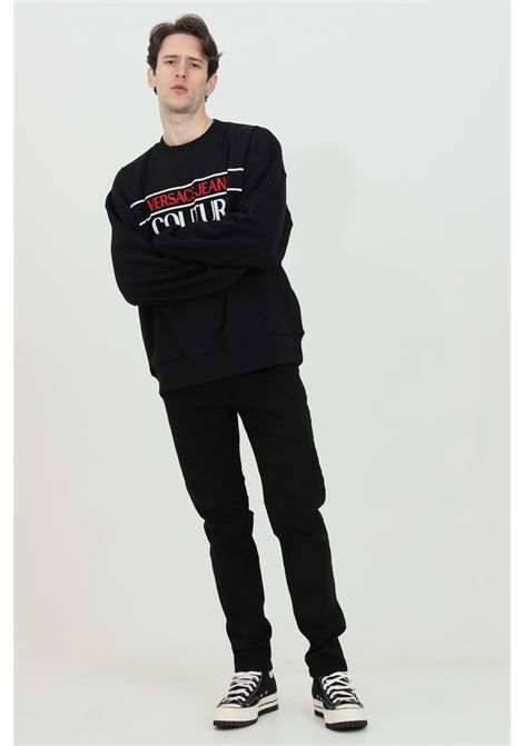 Felpa uomo nero versace jeans couture girocollo con maxi logo ricamato frontale VERSACE JEANS COUTURE   Felpe   B7GWA7TS30318899