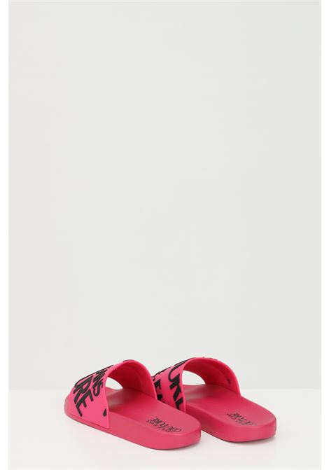 Fuchsia Linea fondo slide slippers in solid color with maxi logo in contrast. Versace jeans couture VERSACE JEANS COUTURE | Slipper | E0VWASQ171352401