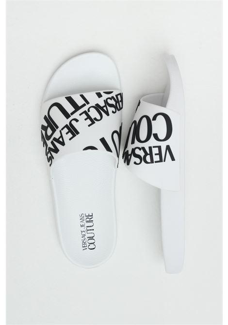Ciabatte Linea fondo slide uomo bianche versace jeans couture con maxi logo a contrasto VERSACE JEANS COUTURE | Ciabatte | E0YWASQ171352003
