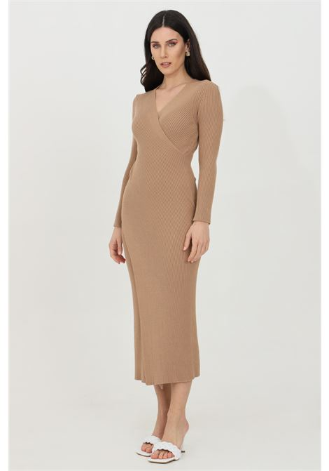 Caramel dress with ribs, stretch model with V-neck. Slim fit. Vicolo VICOLO | Dress | 7013HCAMMELLO