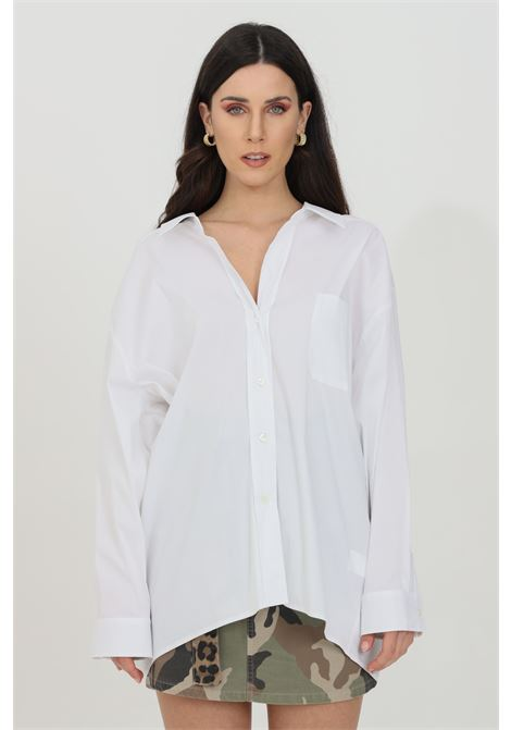 White shirt with long sleevec, front closure with buttons. Over size model. Vicolo VICOLO | Shirt | TH0016BIANCO
