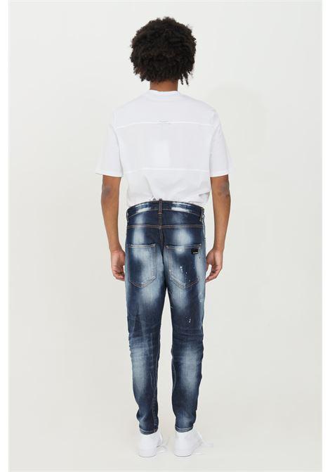 Jeans uomo blue yes london lavaggio medio Twist Denim effetto stracciato. Dettaglio targhetta logo YES LONDON | Jeans | XJ2949.