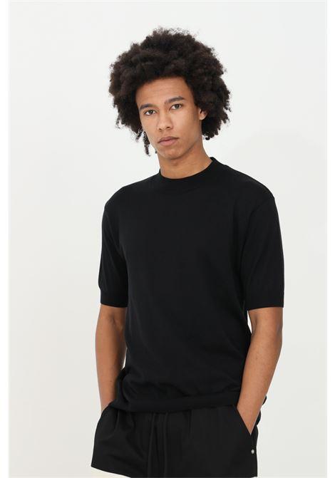 T-shirt uomo nera yes london a manica corta in cotone premium. Modello in maglina con orli elastici con costine YES LONDON | T-shirt | XM3883NERO