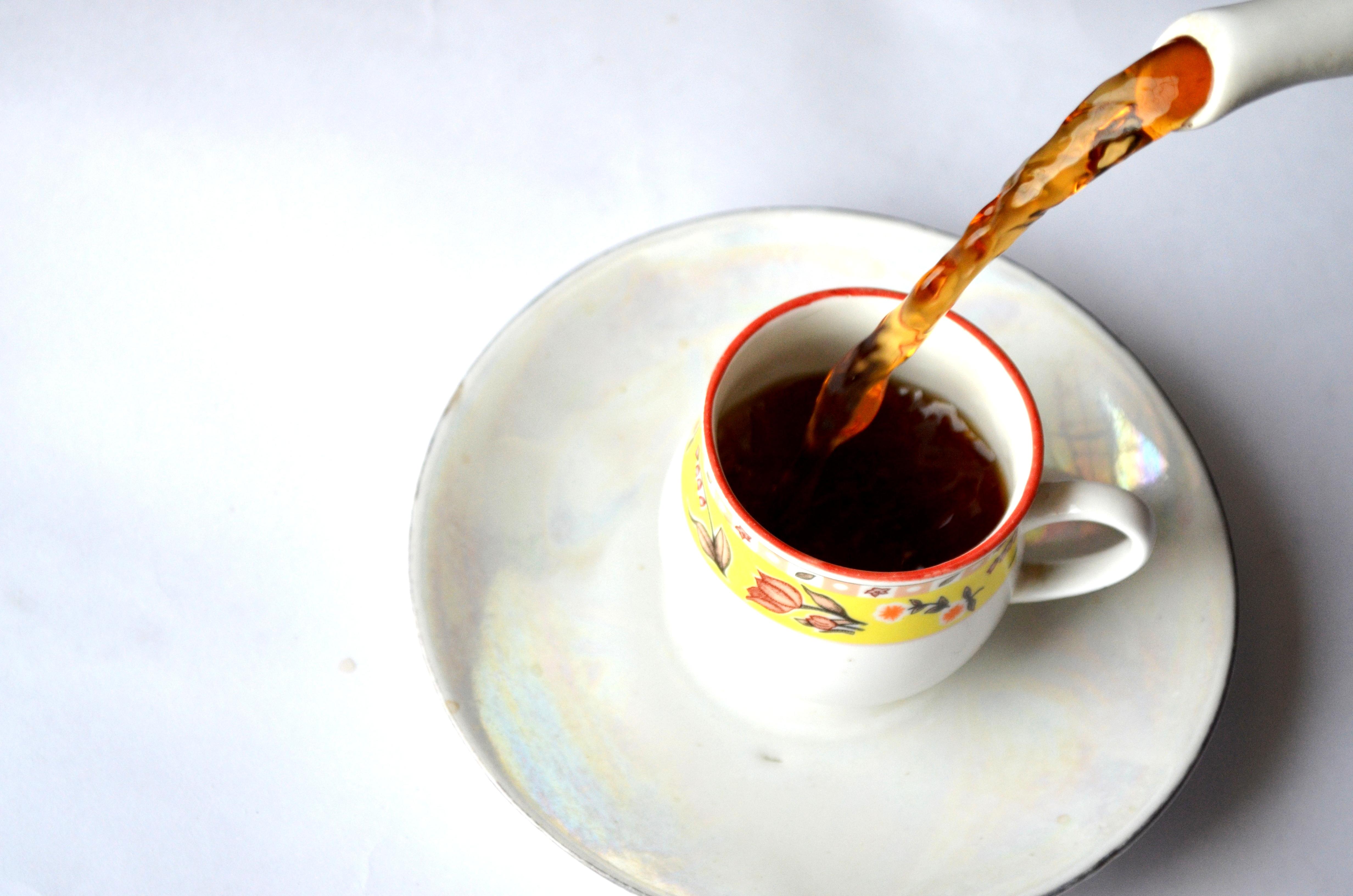 Tea Cup Pouring : Public Domain Pictures
