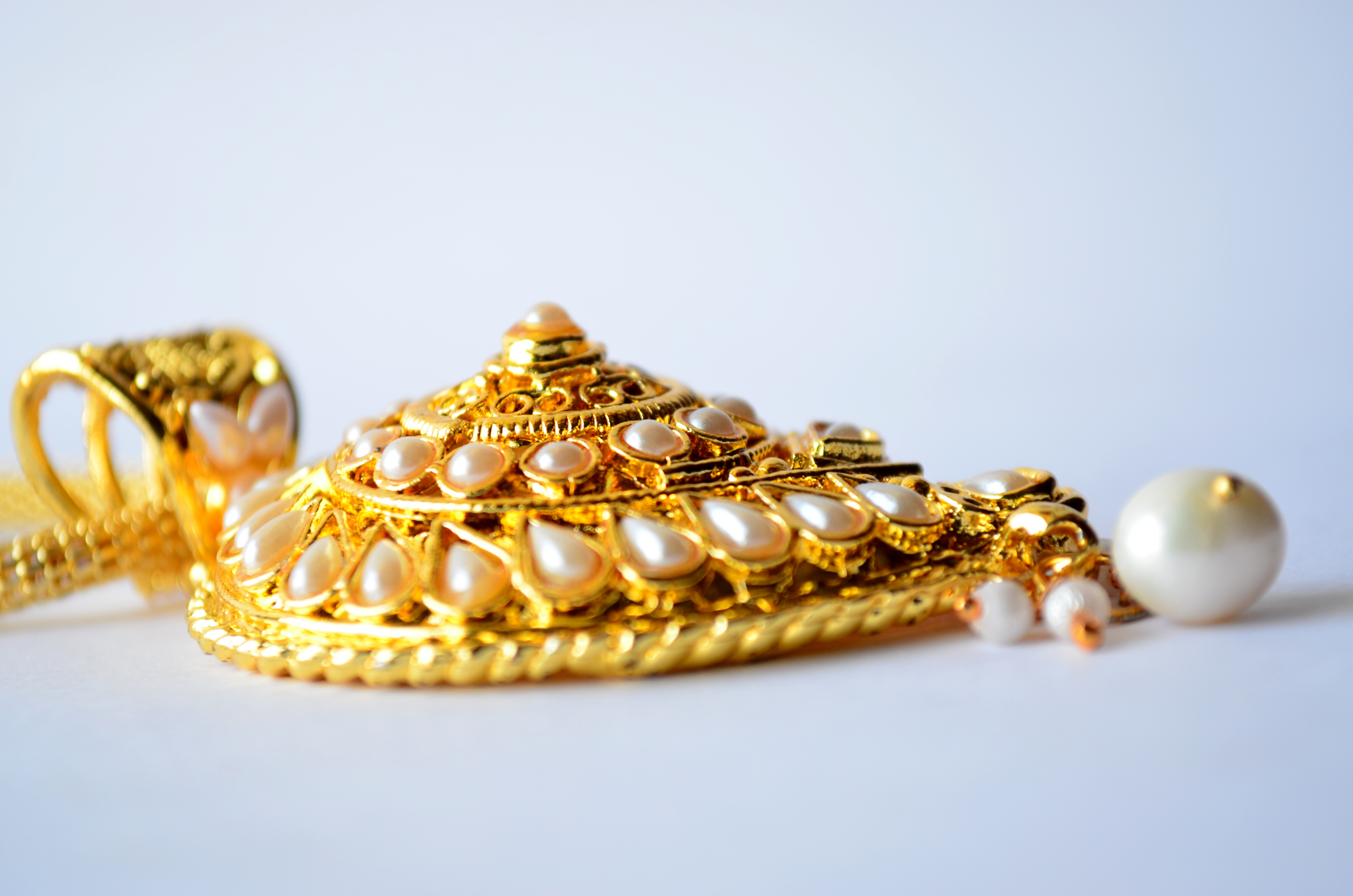 how to clean pearl gold ornaments