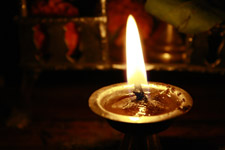 408-diya-oil-lamp-hindu-prayer - Public Domain Pictures