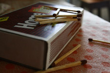 420-matchsticks-matchbox-big - Public Domain Pictures
