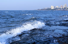Sea Waves Mumbai Coast - Public Domain Pictures