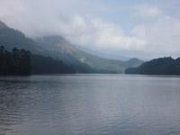 479-beautiful-landscape-lake - Public Domain Pictures