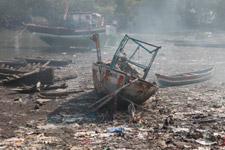 64-scrapyard-boat - Public Domain Pictures