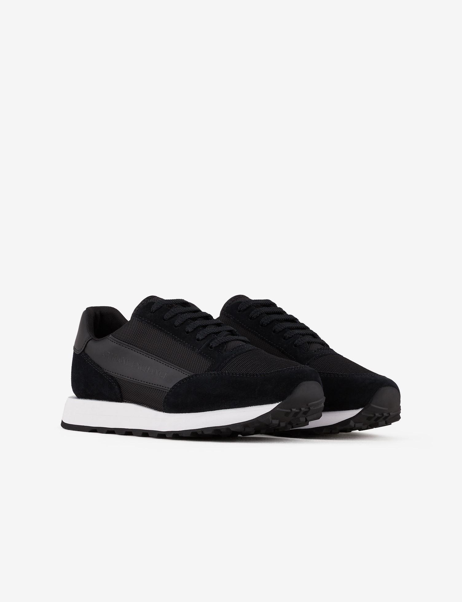 Sneaker in pelle Armani Exchange ARMANI EXCHANGE   Scarpe   XUX083-XV263R595