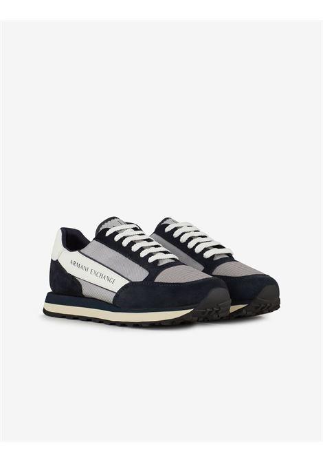 Sneaker in pelle con inserti a contrasto Armani Exchange ARMANI EXCHANGE | Scarpe | XUX083-XV263K556
