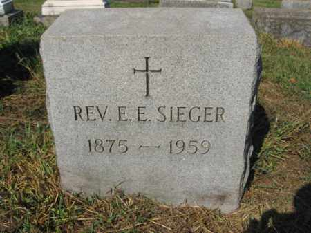 SIEGER, REV.E.E. - Lehigh County, Pennsylvania | REV.E.E. SIEGER - Pennsylvania Gravestone Photos