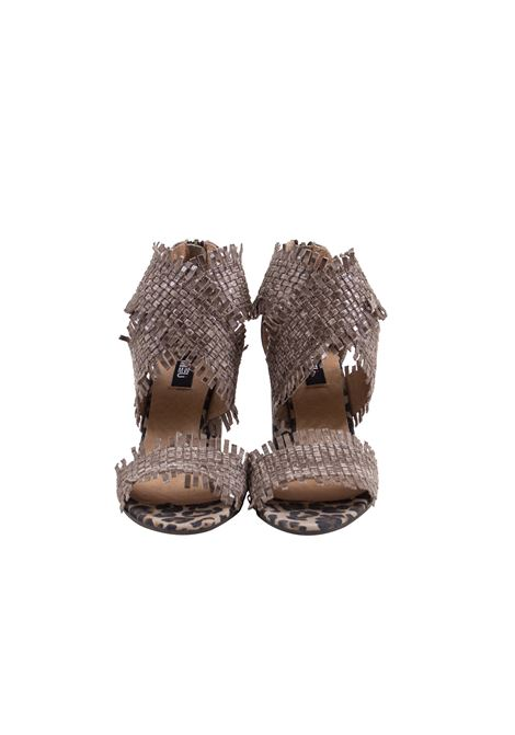 Sandalo in pelle intracciato e sfrangiato MIMMU | Scarpe | 567Z002