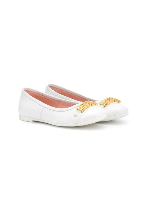 LOGO PLAQUE PUMPS MOSCHINO KIDS | Balletshoes | 636851