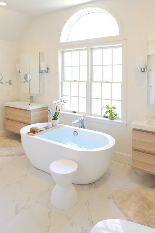 contemporary bathroom with white bathtub