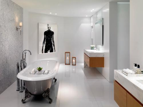 Candlelit bathtub
