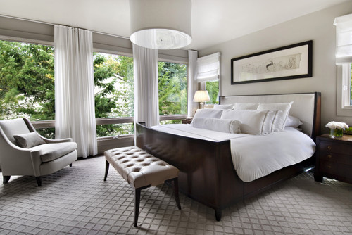 Hotel bedroom decor