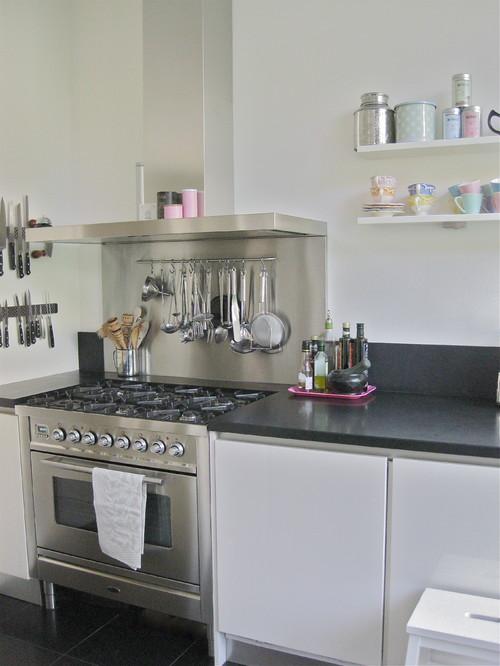 Kitchen cutlery holder