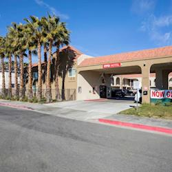 OYO Hotel Palmdale CA - Exterior 2