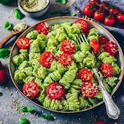 Pesto Spinach Pasta with Fresh Tomatoes