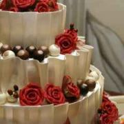 Strawberry Cream Cake w/Roses
