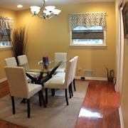 Intown Furnished 3BR/2BA Corporate Apartment