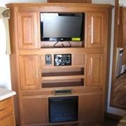 Dual Flatscreen - moviestartrailers.com