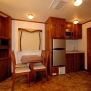 Dual 40 Kitchen - moviestartrailers.com