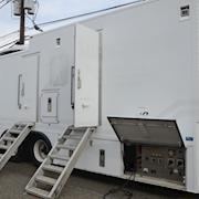 2004 Sterling with 1996 40' KU/HD Hybrid Uplink Truck