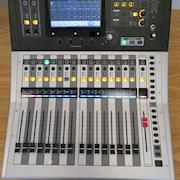 Yamaha TF1 16 Channel Digital Audio Mixing Console excellent condition used once