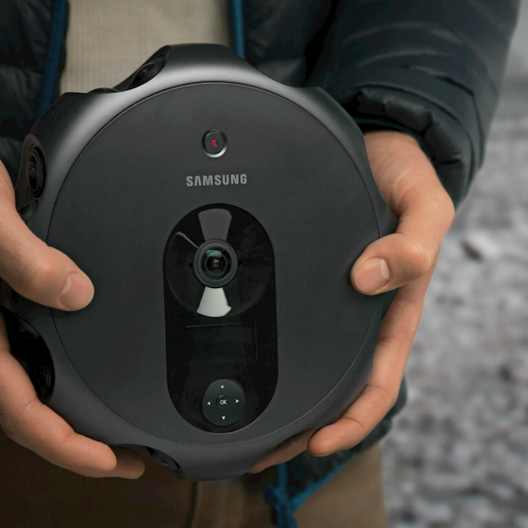 In Review: Samsung 360 Round