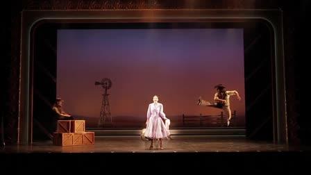"Hersheypark ""Dance, Dance, Dance, America!"" Show"