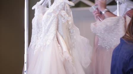 Orange Blossom Bride presents: Casa di Bella Fashion Show