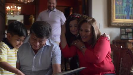 Royal Prestige -- by Univision