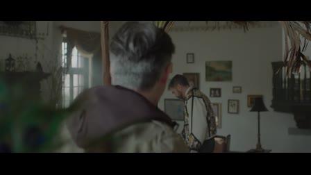 To Die Like A Peacock | Scene