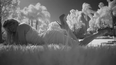 """Dolce & Gabbana - """"Grassy Knoll"""""""