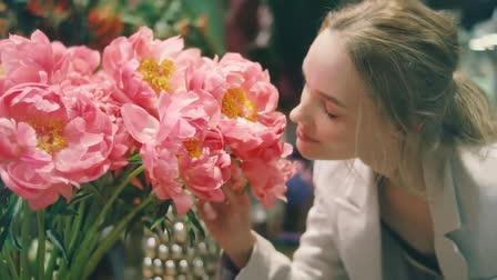 Jill Stuart - Flora Notis