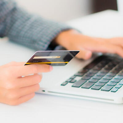Transacción con tarjeta por internet