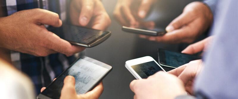 Sus clientes pasan 12 horas en su smartphone ¿aún duda de por qué tener una aplicación para su empresa?