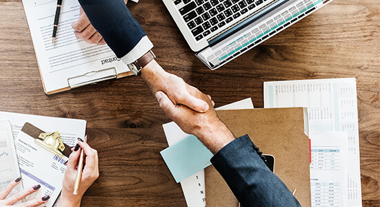 Tenga en cuenta los tipos de societarios para la creación de empresas con amigos o socios