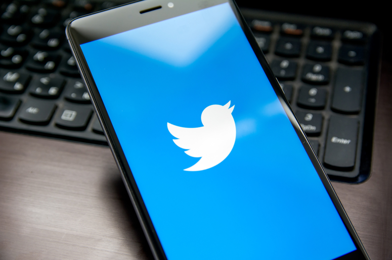 Twitter application. Logo, internet.