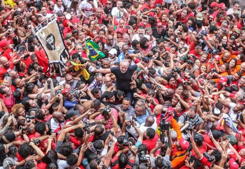 """Lula, derrota el """"LAWFARE""""Evo, derrotará EL ODIO"""