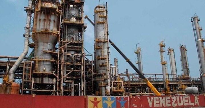 El colapso de la industria petrolera