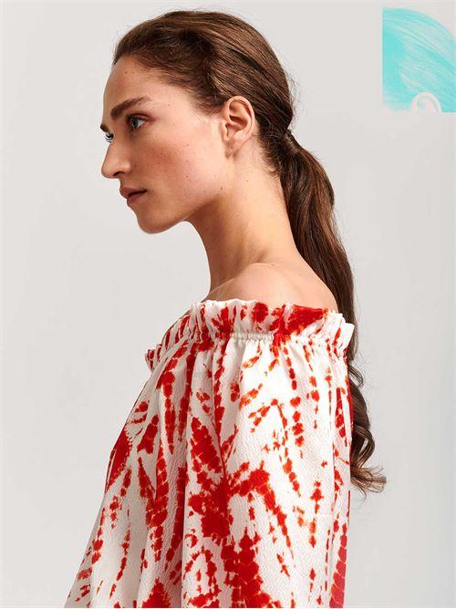 blusa seta fantasia  ESSENTIEL | Blusa | VOICITOPV1BR