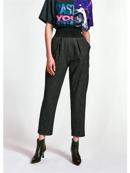 pantaloni ESSENTIEL | Pantaloni | WREATHE HIGE PANTSW1GF